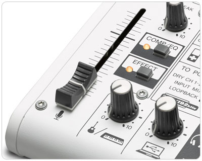 k歌音乐调音台   直观的控制 ag03紧凑的机体中搭载了大型的音量推子.