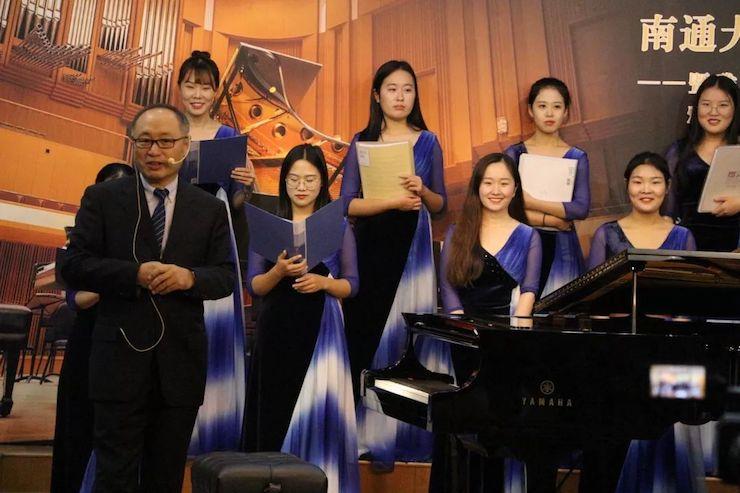 张芳教授钢琴音乐会